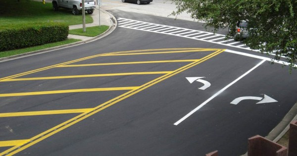 Road Linemarking and Signs: Importance and Benefits